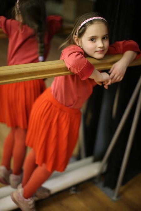 Loli Kantor: Girl in Red