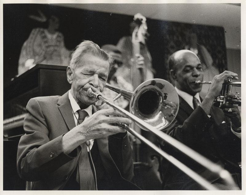 Yoshio Toyama - Kid Ory, 1971. Louisiana State Museum, Gift of the New Orleans Jazz Club, 1978.118(B).00617d.