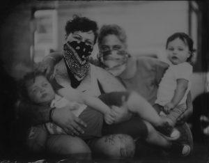 Cooper_HelenMaurene_DeseRae-Felicidad-with-their-children-Theo-Gus-2020